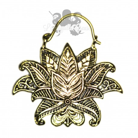 Paire de boucles d'oreilles Nenuphar en bronze