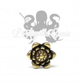 Accessoire en bronze Fleur clipable