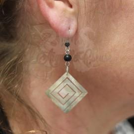 Paire de boucles d'oreilles en Nacre