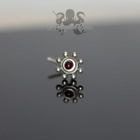 Stud en Argent 925  & pierre rouge Fleur