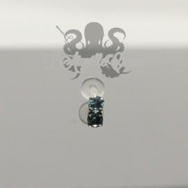 Zircon rond de couleur et griffes en or blanc 18 carats