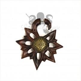 Paire de boucle d'oreille Esprit Maya en bois sculptée et acier