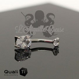 Bijou de nombril Zircon Oval QualiTi en Titane implantable