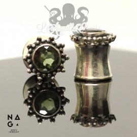 Paire de plugs en Argent 925 et Moldavite - NAGABodyJewelry