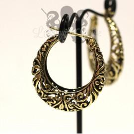 Paire de boucles d'oreilles en bronze.