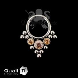 Anneau segmenté en titane QualiTi et zircons cubiques, ouverture facile 'Crystelle'