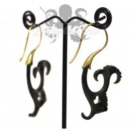 Paire de boucles d'oreilles en corne et bronze